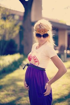 she is hippie pregger cute ( want my auntie to make me this dress when i beome preggers with one of my tees)