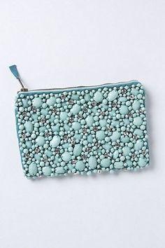 Los mejores #monederos personalizados con piedras.     Sigue el paso a paso de nuestro manual #DIY y consigue tu monedero exclusivo decorado a tu gusto !