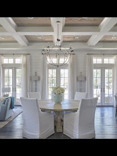 House Design, House, Home Decor, House Interior, Coastal Living Rooms, Chic Spaces, Luxury Interior Design, Dining Room Decor, Interior Design