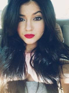 Kylie is so gorgeous  how is she just 16 years old?