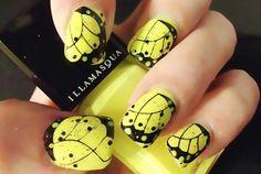 uñas decoradas negras con amarillo - Buscar con Google