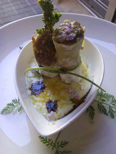 Canelón relleno de rabo de toro y pollo de corral, con bechamel suave de foie y P. Ximenez. Tapas, Bechamel, Relleno, Four Square, Pudding, Desserts, Food, Hotels, Restaurants