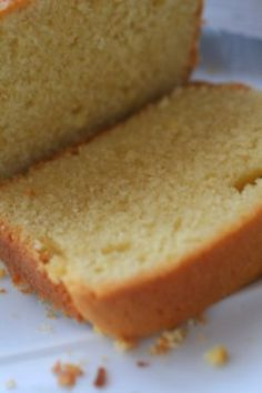 Although there is a myriad of ingredients, this sugar free lemon cake is relatively simple to make. You can put whatever you want as a glaze to make this lavender lemon cake even tastier...