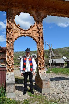 TUDOR PHOTO BLOG: Ia traditionala romaneasca din Maramures,Romania,Europa