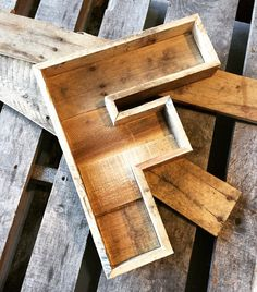 Pallet Letter Rustic Letter Reclaimed Wood Marquee by ShyWalrus Pallet Letters, Rustic Letters, Wood Letters, Woodworking Projects Diy, Diy Wood Projects, Wood Crafts, Pallet Home Decor, Easy Home Decor, Cafe Furniture
