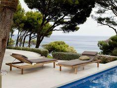chaise longue design en teck de design élégant VIS À VIS par TRIBÙ