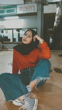 Street Hijab Fashion, Ootd Fashion, Girl Fashion, Fashion Looks, Fashion Outfits, Casual Hijab Outfit, Ootd Hijab, Casual Outfits, Cute Outfits