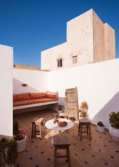 MOROCCO - Dar Emma ; traditional 3 level morocccan residence. Authentic Castles in the sand