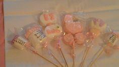 Handmade Marshmallow lollipops!  Perfect as edible party keepsakes.  Girl babyshower. Paletas de Bombon!  Perfecto como recuerdos de fiesta.  Babyshower de niña.