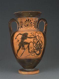 Hydre de Lerne. #monstre #mythologie #Hercule Plus d'informations http://www.histoiredelantiquite.net/archeologie-grecque/hydre-de-lerne/