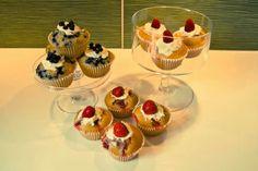 #summer #cupcakes #whitechocolate #mascarponecreme #blueberries #strawberries #yumyum