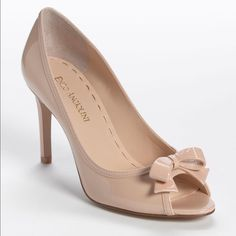 """Enzo Angiolini Nude Bow Heels 2"""" nude heels- only worn once! Feel free to ask questions or make an offer 😊 Enzo Angiolini Shoes Heels"""