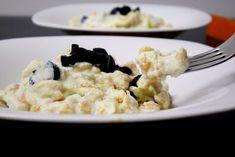 Spatzle di zucca con crema di ricotta ai porri e olive nere Spatzle, Olive, Gnocchi, Ricotta, Buffet, Grains, Germania, Ethnic Recipes, Pizza