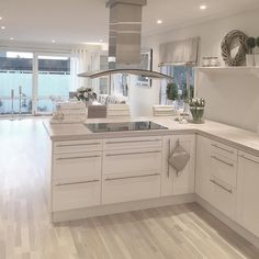 Ideas for ikea kitchen remodel beautiful Kitchen Family Rooms, Living Room Kitchen, Home Decor Kitchen, Kitchen Interior, Luxury Kitchens, Home Kitchens, Open Plan Kitchen Dining Living, Ikea Kitchen Remodel, Küchen Design