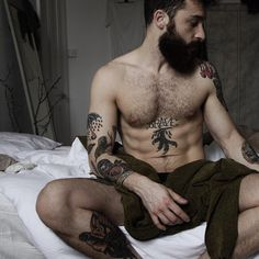 Beard, Hairy, Tattooed and Hunk Men Scruffy Men, Hairy Men, Bearded Men, Handsome Guys, Beards And Mustaches, Beard Boy, Beard No Mustache, Beard Game, Moustache