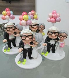 Up wedding cake Clay Crafts, Diy And Crafts, Up Carl And Ellie, Gravity Cake, Disney Up, Silver Anniversary, Fondant Toppers, Pasta Flexible, Sugar Art