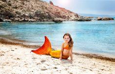 Çocuklar! Daha önce gerçek bir denizkızı gördünüz mü? Biz gördük Sizi de gerçek denizkızlarına dönüştürmek için Türkiye'ye geldik! Hemen www.magictail.com.tr yi ziyaret edin, bu yaz siz de gerçek bir denizkızına dönüşün!