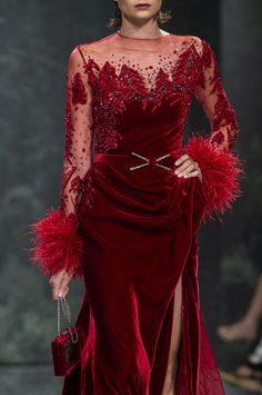 Ziad Nakad at Couture Fall 2018 - Details Runway Photos Gala Dresses, Couture Dresses, Fashion Dresses, Formal Dresses, Velvet Fashion, Red Fashion, Couture Fashion, Hijab Evening Dress, Evening Dresses