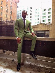 Blog com dicas de moda exclusivas para homens negros, com looks, tendências e visuais que mais se adaptam a pele negra.
