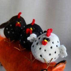 Needle felting wool rooster (Via @cho_oyu)                                                                                                                                                                                 More