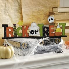 Get your family ready for Halloween with our Trick or Treat Wooden Tabletop Sign!