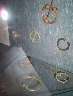 Penannular brooches, Historisk Museum, Oslo