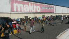 """17 de mar. de 2014 / """"Cola para adquirir alimentos en Makro Charallave"""""""