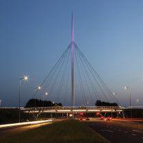 lighting - hovenring - circular cycle bridge - fietsrotonde - eindhoven
