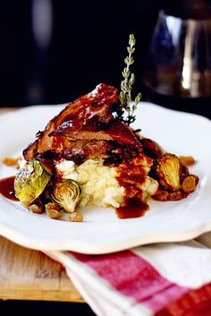 This was amazingly simple and beyond delicious! Red Wine Brasied Leg of Lamb