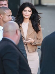 Kylie Jenner struggles to walk in her strappy heels #dailymail