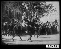 Augusta, 1901. General Clemendae Evans coming down street in Memorial Day Parade. At first I thought it was Robert E. Lee! ;)