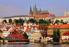 La guida completa di Praga - Gli itinerari e cosa vedere a Praga, la vita notturna, i locali, le birrerie e i bordelli, oltre agli hotel consigliati. http://www.marcopolo.tv/repubblica-ceca/praga-guida