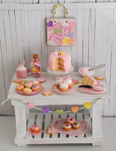 OOh! perfect for the girls lalaloopsy house