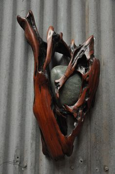 25 best ideas about driftwood art on theydesign driftwood crafts with regard to driftwood art 35 Ideas of Making Beautifully Artistic Driftwood Art Driftwood Sculpture, Driftwood Art, Sculpture Art, Wood Stone, Stone Art, Deco Nature, Driftwood Projects, Wood Creations, Beach Crafts