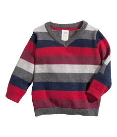 Shop kids clothing and baby clothes at H&M – We offer a wide selection of children's clothing at the best price. Toddler Boy Outfits, Kids Outfits, Baby Dior, Mens Fashion Sweaters, Kids Fashion Boy, Baby Sweaters, Online Shopping Clothes, Pull, Baby Knitting