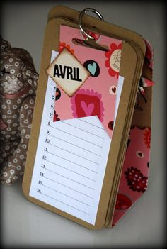 Groseilles & CO: calendrier anniversaires ( intérieur ) Calendrier Diy, Stationary Gifts, Cute Diy Projects, Advent Calenders, Craft Show Ideas, Scrapbook Albums, Stamping Up, Diy Christmas Gifts, Craft Fairs