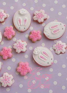 Easter egg cookie inspiration, Little Easter bunny cookies, Pastel pink snowflake Easter food ideas, Handmade Easter decoration ideas #Easter #ideas #holiday www.loveitsomuch.com