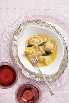 Ravioli-met-botterskorsie-en-fetakaas | SARIE | Ravioli with butternut and feta