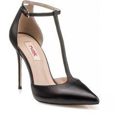 6ba41953262 179 Nak γυναικεία παπούτσια Nak γυναικεία παπούτσια Γυναικείες γόβες με  λουράκι στον αστράγαλο Με τακούνι ύψους
