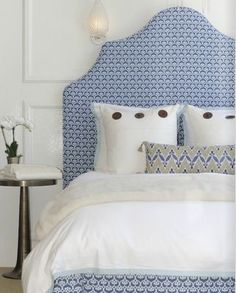 Love this blue & white bed.
