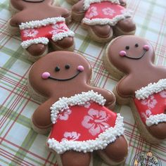 gingerbread cutter by gina robertson - X-mas character - Yorgo Christmas Sugar Cookies, Christmas Gingerbread, Christmas Baking, Gingerbread Man Cookie Cutter, Gingerbread Cookies, Iced Cookies, Cute Cookies, Cookie Company, Tropical Christmas