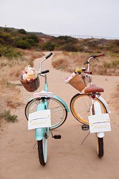 "Bicicletas 'recien casados' / ""Just married"" beach cruisers - the perfect wedding getaway! Bike Wedding, Wedding Blog, Our Wedding, Dream Wedding, Wedding Ideas, Wedding Cars, Wedding Decor, Wedding Shoot, Wedding Pictures"