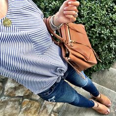 IG @mrscasual <click through to shop this outfit> Goodnight Macaroon knotted front top with cognac accessories.