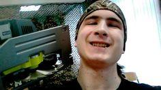 Un estudiante ruso degolló a su profesor, se sacó selfies con el cadáver y luego se mató