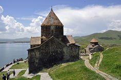 Najpiękniejsze zakątki Armenii: jezioro Sewan i okolice