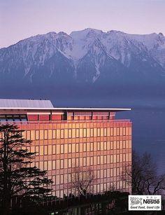 ネスレ、スイス本社とレマン湖 Vevey, Switzerland, Places To Visit, Mountains, Outdoor Decor, Travel, Reading, Books, Viajes