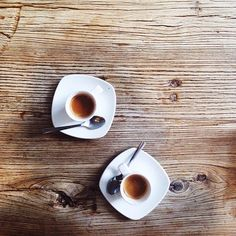 fresh, gourmet coffee, served in stylish, modern mugs on a gorgeous re-purposed coffee table. #ACoffeeDreamComeTrue