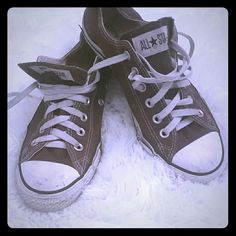 Sbeakers Brown Converse All stars. Yes they are used but in great condition.?? Converse Shoes Sneakers