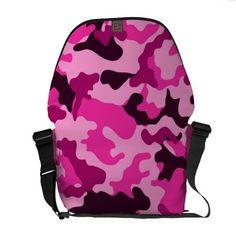 A bolsa mensageiro cor-de-rosa de Camo