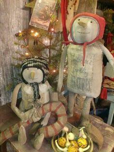 Nicely done - Wooden Nail Snowmen Primitive Snowmen, Primitive Christmas, Nicely Done, Snowman, Teddy Bear, Nail, Dolls, Outdoor Decor, Ideas